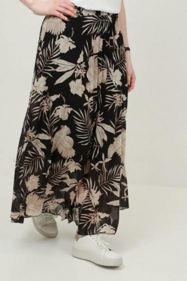Gebloemde jurk met halssnoer